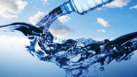 Water-from-water-bottle-2.jpg