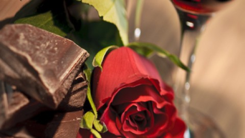 choc-roses-red-wine.jpg