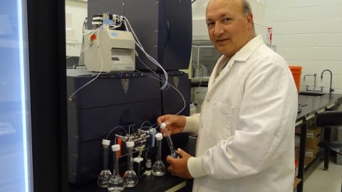 dr-david-ferris-dartmouth-ice-core-lab.jpg