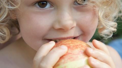 girl-with-apple.jpg