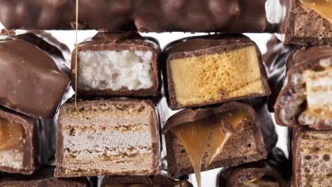 artificial colors and flavors in chocolate