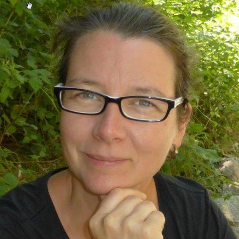 Dr. Claudia Bouman